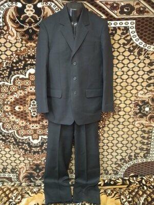 костюм мужской тройка Robert Vins