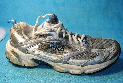 fila кроссовки 42 размер