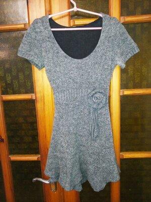 Платье мини теплое вязаное с цветком шерсть/мохер/акрил,S