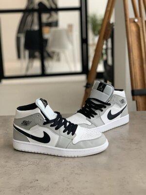 Кроссовки Nike Air Jordan 1 Retro, серые с белым, 00323