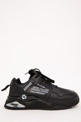 Мужские кроссовки с надписями 3 цвета
