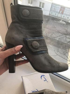 Ботиночки из натурального замша 39-40 р