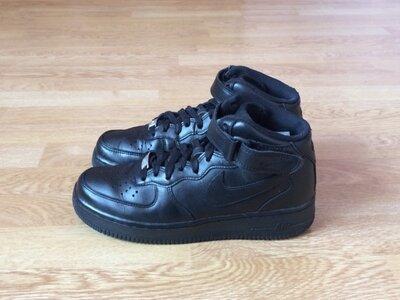 Кожаные кроссовки Nike Force оригинал 38,5 размера в идеальном состоянии