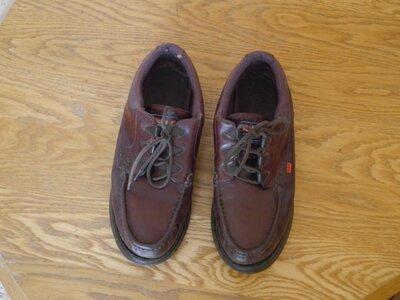 Туфлі шкіряні коричневі розмір 43 стелька 28,5 см KicKers з нюансом