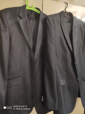 Два брючных мужских костюма