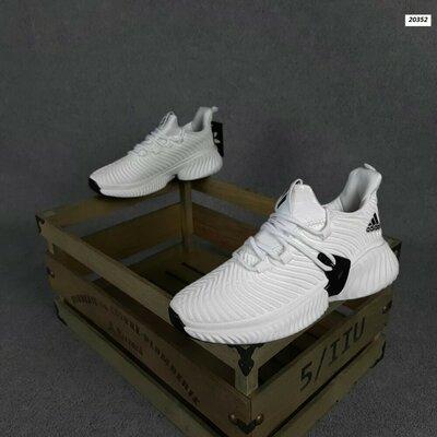 Мужские текстильные кроссовки adidas