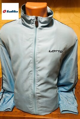 Практичная качественная ветровка куртка итальянского производителя Lotto.
