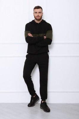 Мужской чёрный трикотажный костюм со вставками