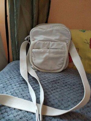 Хорошенькая текстильная сумочка от H&M