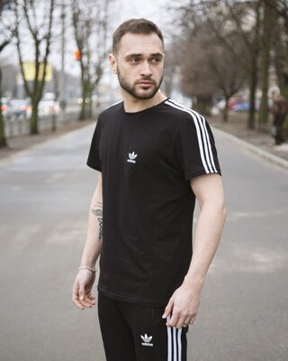 Футболка Adidas Three line черная