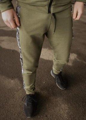 Мужские спортивные хлопковые повседневные штаны dazzle цвета хаки от intruder