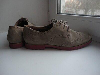 раз.41.Замшевые туфли броги Tamaris.Оригинал.
