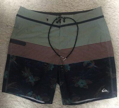 Оригинальные шорты для купания quiksilver.