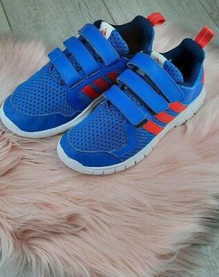 Детские кроссовки от adidas
