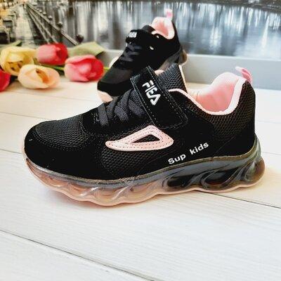 Шикарная модель черных кроссовок на девочку 33