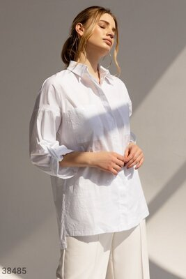 Базовая белая рубашка.