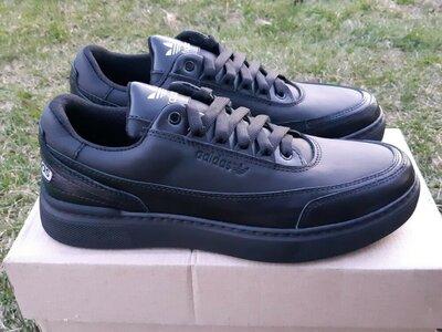Мужские кожаные кроссовки Adidas прошитые,чорні чоловічі кросівки