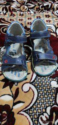 Продано: Кожаные босоножки на мальчика