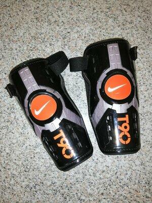 Футбольные щитки Nike Total 90 T90, 2011
