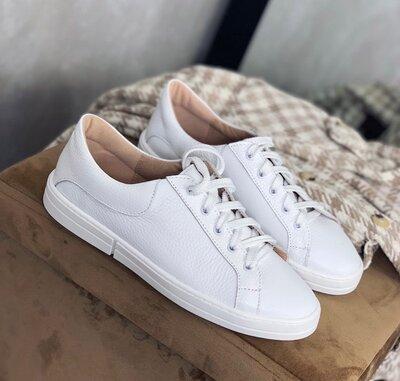 Женские белые кожаные кеды кроссовки