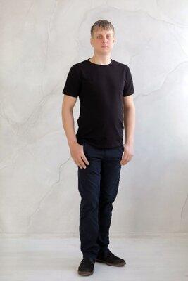 Базова чоловіча футболка casual чорного кольору