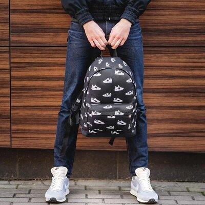 молодежный городской рюкзак ,принт черные кеды