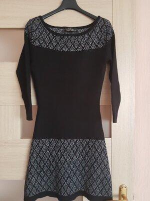 Платье теплое шерстяное с люрексовым орнаментом love republic