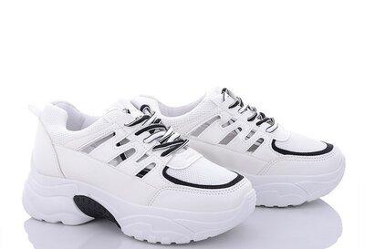 Жіночі нові кросівки