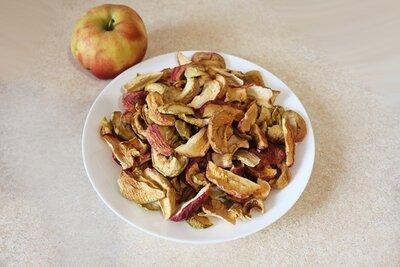 Продано: Сушені яблука, без хімії, з власного саду / сушеные яблоки