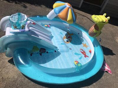 Продано: Детский надувной бассейн игровой центр Intex 57165 Крокодил c фонтаном, надувной круг, 201х170х84 см