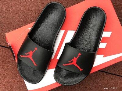 Шлепанцы мужские Nike Air Jordan , черные с красным