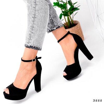Женские чёрные босоножки на ремешке на устойчивом каблуке