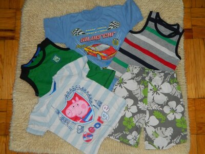 Пакет одежды 2 футболки, две майки шорты.