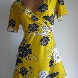 Хорошенькое платье Select