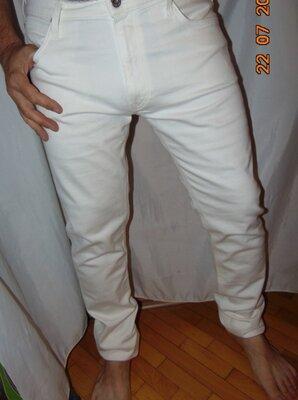 Новие брендовие нарядние стильние стрейч брюки джинси .Lee.36-34.л-хл .