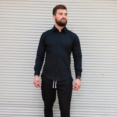 Классическая рубашка из хлопка в черном цвете