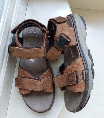 Кожаные сандалии Clarks,43 размер, Камбоджа Состояние отличное,без дефектов.