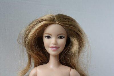 Продано: Кукла Барби из серии Barbie Fashionistas