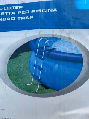 Продано: Лестница к бассейну Intex