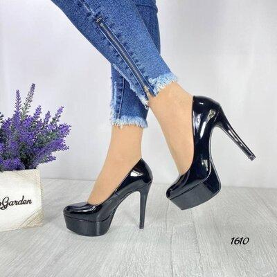 Туфли женские на каблуке шпильке