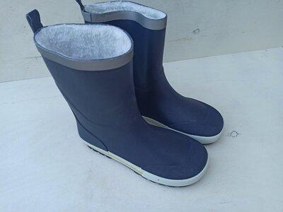 Резинові чоботи на меху 34 розмір. Стелька 22 см.