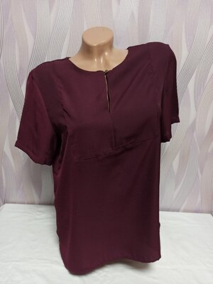 р. 12/L - Строгая бордовая блуза с пуговкой, 100% полиэстер, от M&S