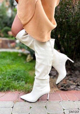 Женские демисезонные чёрные бежевые молочные сапоги сапожки на каблуке шпильке