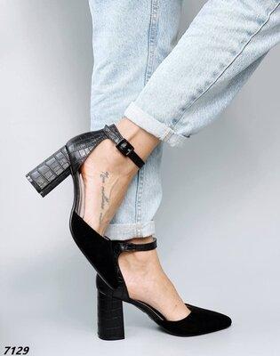 Женские чёрные туфли на ремешке на устойчивом каблуке