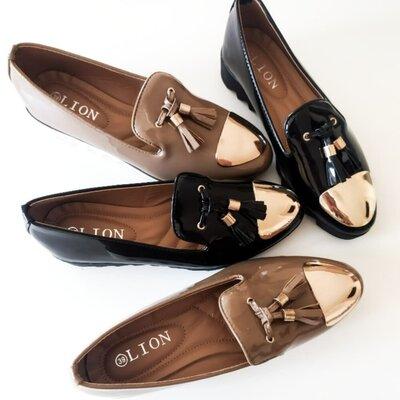Туфли лоферы женские бежевые черные лаковые