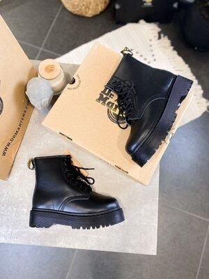 Женские зимние ботинки Dr.Martens Jadon MBF