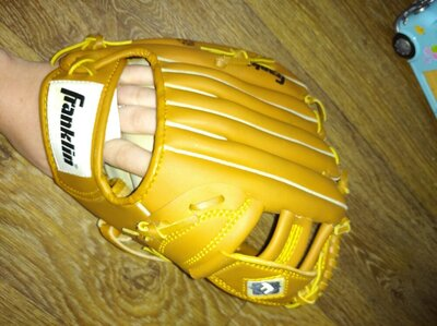 Бейсбольная перчатка Franklin 11