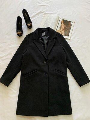 Продано: Базовое черное пальто