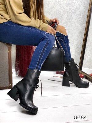 Женские натуральные замшевые кожаные ботинки на шнуровке на устойчивом каблуке