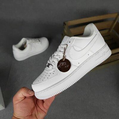 Кроссовки женские Nike Air Force 1 '07, белые